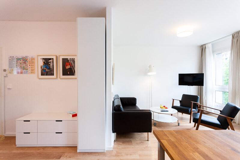Wohnzimmer, Flur / living room, hall
