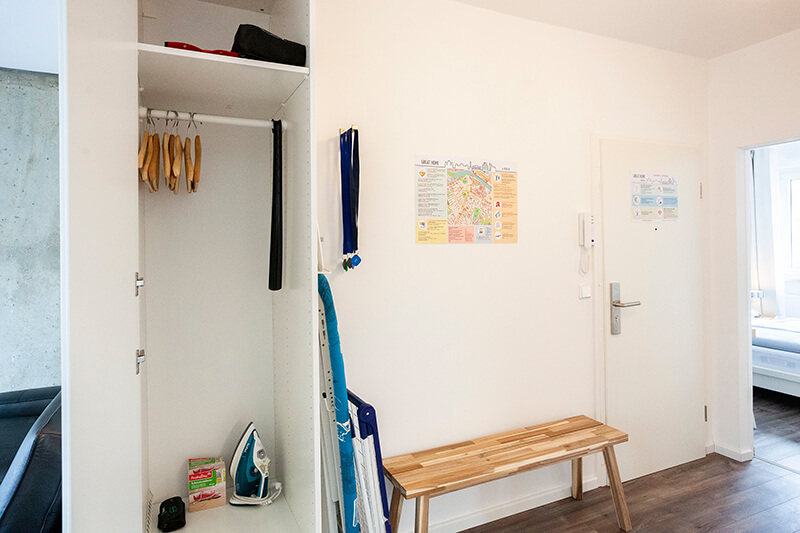 Flur, Garderobenschrank / hall, wardrobe