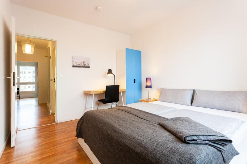 1. Schlafzimmer / 1st bedroom --- Bettwäsche ist inklusive und die Betten sind bereits für Sie bezogen. / Freshly made beds.