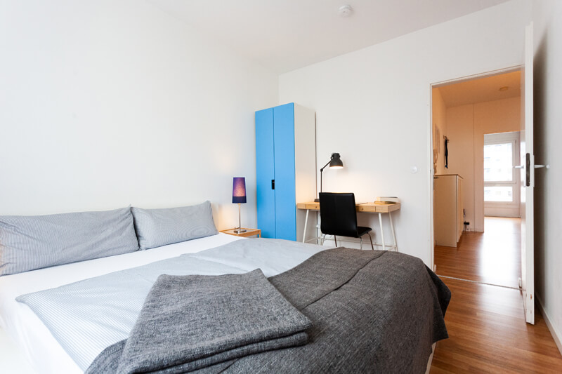 2. Schlafzimmer / 2nd bedroom --- Bettwäsche ist inklusive und die Betten sind bereits für Sie bezogen. / Freshly made beds.